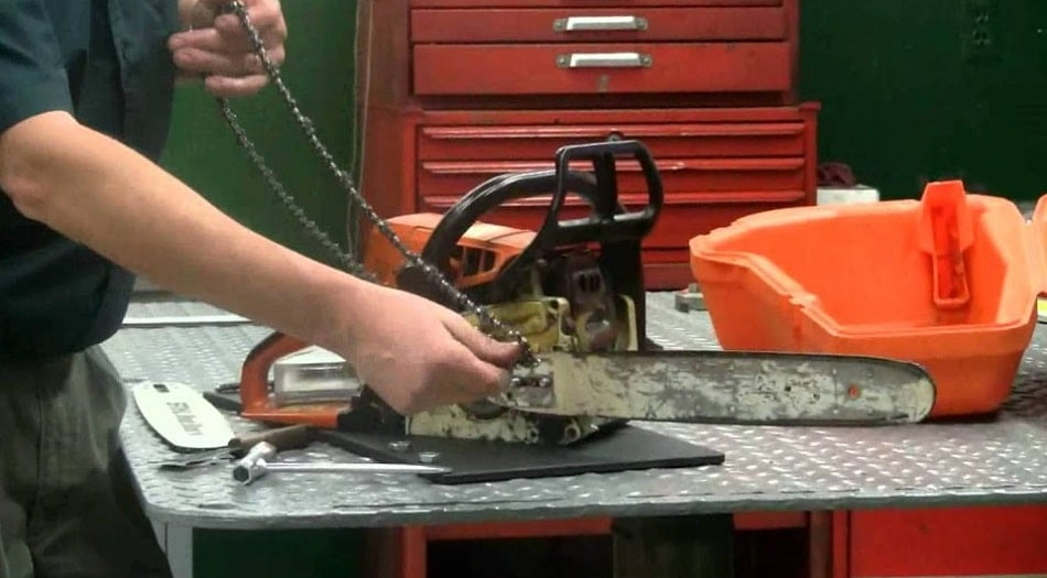 When to replace chainsaw chain