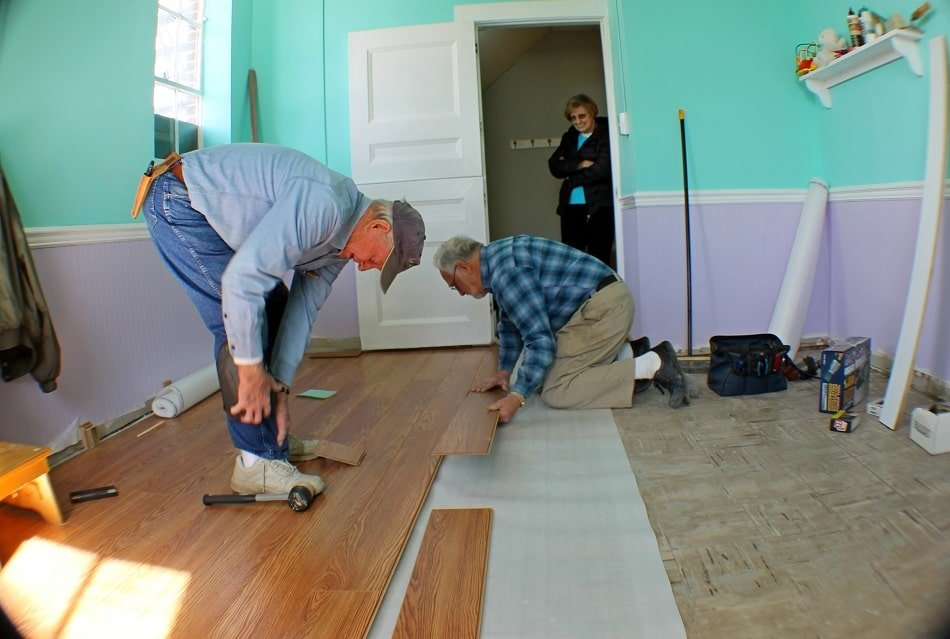 How to Lay Laminate Flooring in Multiple Rooms