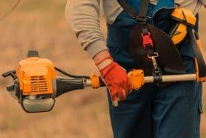 Use A Gas Pole Saw